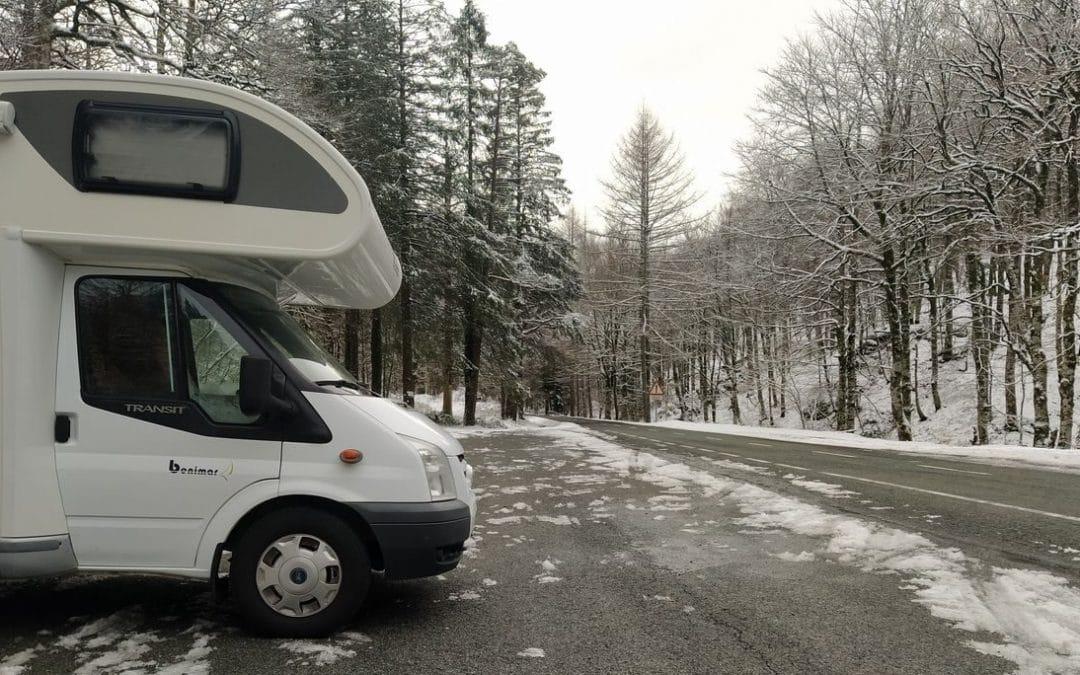 Consejos para viajar a la nieve con autocaravana